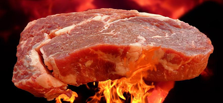 パーフェクトビルドEAAの主成分はステーキ肉○○枚分